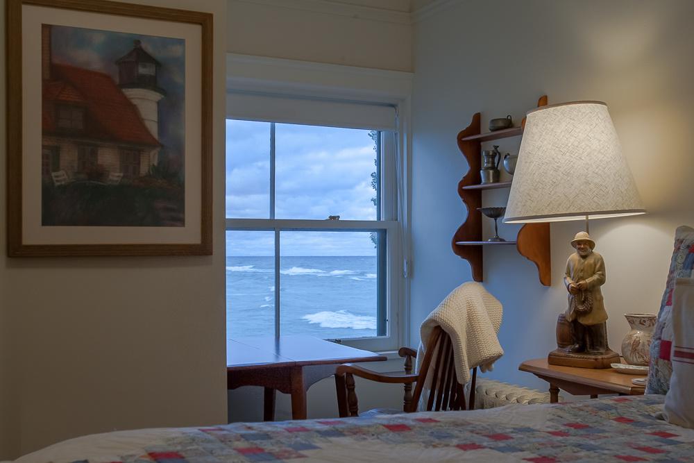 2-Large-Bedroom-3